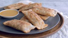 Find out Exactly how to prepare Chinese Food Appetiser Finger Food Appetizers, Finger Foods, Appetizer Recipes, Quebec, Cooking Time, Cooking Recipes, Chicken Spring Rolls, Egg Roll Recipes, Egg Rolls