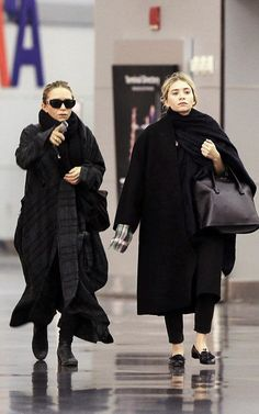la-modella-mafia-Mary-Kate-and-Ashley-Olsen-in-all-black-everything-street-style-for-Fall.jpg (With images) Mary Kate Ashley, Ashley S, Mary Kate Olsen, Ashley Olsen Style, Olsen Twins Style, Olsen Fashion, Olsen Sister, Street Looks, All Black Everything