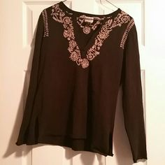 Chico's Embellished Collar Tee Med: Chico's sz 1 Chico's black long sleeve t-shirt with cream colored embellished collar. Chico's size 1, equivalent to women's size 8/medium  Good condition from a smoke and pet free home  Please feel free to ask questions, and don't forget to bundle for discounts! Chico's Tops Tees - Long Sleeve
