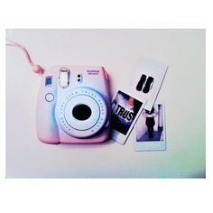Camera Polaroid - Shooting Great Photos Is Only A Few Tips Away Polaroid Instax Mini, Polaroid Camera Instax, Polaroid Foto, Fujifilm Instax Mini 8, Camara Fujifilm, Cute Camera, Photo D Art, Polaroid Pictures, Photography Camera