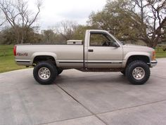 trucks and cars Custom Chevy Trucks, Chevy Pickup Trucks, Gm Trucks, Chevy Pickups, Chevrolet Trucks, Diesel Trucks, Cool Trucks, Gmc Suv, Chevy 4x4