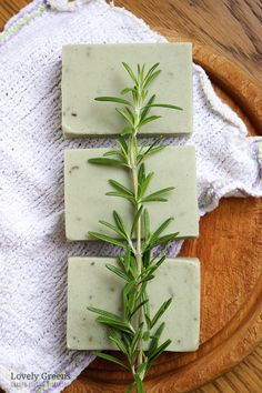 Instructions for making natural rosemary soap recipe for oily skin. Includes a video showing how to make it using fresh rosemary & cambrian blue clay soap Natural Rosemary Soap Recipe for Oily Skin with Cambrian Blue Clay Soap Making Recipes, Homemade Soap Recipes, Soap For Oily Skin, Dry Skin, Acne Soap, Savon Soap, Soap Making Supplies, Soap Maker, Soap Molds