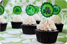 "St. Patrick's Day is coming up! How about making these Irish beer & whiskey ""boozy"" cupcakes?"