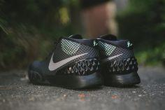 "Nike KYRIE 1 ""Driveaway"" (Detailed Pictures & Release Info) - EU Kicks: Sneaker Magazine"