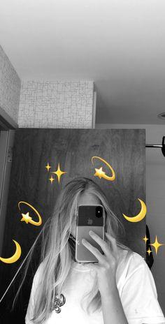 Images Emoji, Images Esthétiques, Instagram Pose, Instagram And Snapchat, Creative Instagram Stories, Instagram Story Ideas, Girl Pictures, Girl Photos, Snapchat Streak