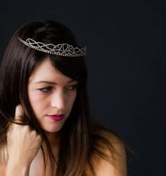 Holiday party style inspiration: New Year's tiara!