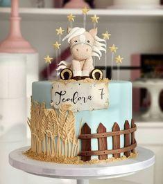 Farm Birthday Cakes, Unique Birthday Cakes, Birthday Desserts, Birthday Cake Decorating, Birthday Cake Girls, Happy Birthday, Barnyard Cake, Farm Cake, Pretty Cakes
