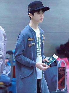 Маленький цыплёнок  #Jisung  #cuteduckJisung  #NCT  #nctdream  #nct_dr Grupo Nct, Park Jisung Nct, Triple J, Park Ji Sung, Perfect Boy, Pretty Photos, Kpop, Airport Style, Taeyong