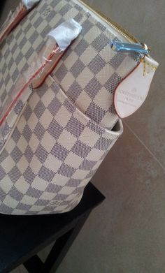 Louis Vuitton Damier Azur Canvas Totally PM N51261.close shoot. $168+FREE shipping+on-line payment