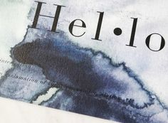 Gebruik Crisp sheets postcard Hello om te versturen of om thuis je eigen sfeer te creëren.  Dit ontwerp is gemaakt in aquarelle kleurtonen en gecombineerd met een woordenboek toelichting:  Hello – interjection – an exclamation of surprise, wonder, elation, etc