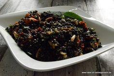 Ein wahnsinnig leckerer Linsensalat, mit Belugalinsen, Pinienkernen,getrockneten Tomaten und Rucola. Toller Partysalat oder auch prima für die Lunchbox.