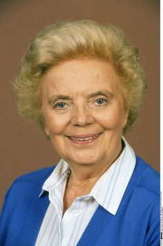Heidi Kabel (* 27. August 1914 in Hamburg; † 15. Juni 2010 ebenda)