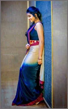 Anupama Parameswaran Beautiful HD Photoshoot Stills & Mobile Wallpapers HD, WhatsApp DP Beautiful Girl Photo, Beautiful Girl Indian, Most Beautiful Indian Actress, Beautiful Saree, Beautiful Actresses, Beautiful Women, Saree Poses, Anupama Parameswaran, Saree Photoshoot