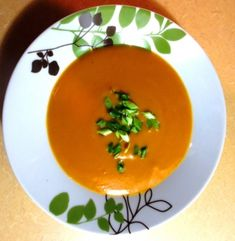 Potage aux carottes et au cari Thai Red Curry, Cooking Tips, Meals, Drinks, Ethnic Recipes, Food, Cream Soups, Carrots, Meal Ideas