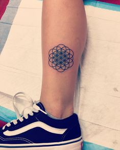 85 Cool Flower of Life Tattoo Ideas – The Geometric Pattern That Holds The Secrets Check more at http://tattoo-journal.com/best-flower-of-life-tattoo-designs-meaning/