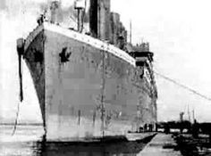 real footage of titanic in thompson graving dock belfast genuine film of the ship is very rare indeed the three shots presented here may be the only mo. Titanic Ship, Rms Titanic, Belfast, Titanic Artifacts, Titanic Museum, Liverpool, Titanic History, Powerful Pictures, Modern History