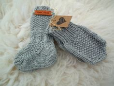 Villasukat vauvalle - ohje Fingerless Gloves, Arm Warmers, Knit Crochet, Socks, Crafty, Knitting, Kids, Crocheting, Baby