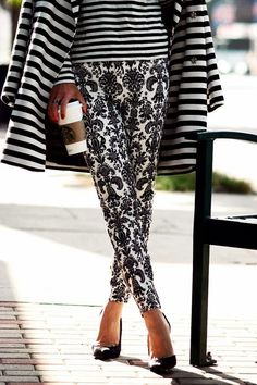 Mixed patterns. Full post here http://fashioninspirationdaily.blogspot.ro/2013/11/mixed-patterns.html