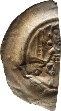 1/2 Brakteat Heinrich <Meissen, Markgraf, III.> (1218-1288)|Münzherr Meissen, o.J. (1230-1250) Münzkabinett Material and Technique Silber, geprägt, halbiert (linke Hälfte) Measurement Durchmesser: 23,8 mm; Gewicht: 0,527 g