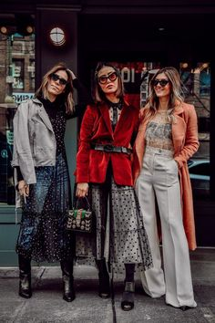 - This month we are tackling the trend that is delicate sheers! Soon to be soon all over the New York Fashion Week runways next week! Looks Street Style, Looks Style, Looks Cool, Mode Outfits, Casual Outfits, Fashion Outfits, Womens Fashion, Sport Fashion, Fashion Week