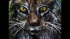 Скульптуры животных из мусора и хлама
