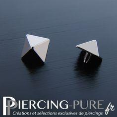 Accessoire microdermal de forme pyramidale en titane de couleur grise. Piercings, Cufflinks, Creations, Pure Products, Bracelets, Jewels, Gray Color, Shape, Accessories