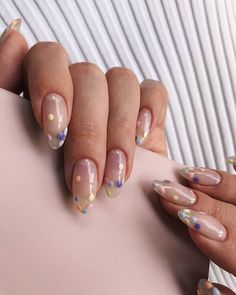 An interesting post from POPSUGAR Beauty UK. Check it out! nails gel This New Negative Space Nail Trend Will Inspire Your Next Manicure Cute Acrylic Nails, Cute Nails, Pretty Nails, My Nails, Pastel Nails, Colorful Nails, Minimalist Nails, Minimalist Art, Beauty Nails
