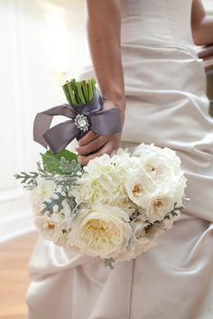 Ivory Garden & Spray Roses