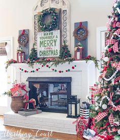 Christmas DIY Farmhouse Décor Ideas,Christmas Mantels Around America Christmas Fireplace, Farmhouse Christmas Decor, Christmas Mantels, Country Christmas, Christmas Home, Christmas Holidays, Christmas Wreaths, Christmas Decorations, Holiday Decor