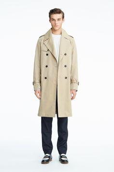 #02 Coat:¥57,240 Sweat:¥18,360 Pants:¥18,360 Shoes:¥91,800