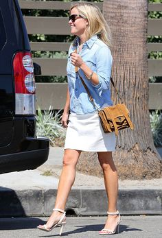 Reese Witherspoon wears N°2.2 Louisiana Purchase with inlaid brass in tortoiseshell frames