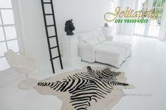 Tapete em pele inteira! Ótima opção para decoração de ambientes mais alternativos! Aproveite nossa promoção de 20% OFF www.jolitapetes.com.br