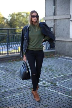 Sweater - Bikbok, Jeans - Drdenim.