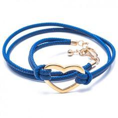 """Das Charity-Wickelarmband """"Heart"""" in Blau mit dem hinreißenden Herz aus goldplattiertem Edelstahl ist ein echter Eyecatcher für deinen glänzenden Auftritt. Versandkostenfrei bei melovely.de"""