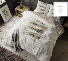 Béžové posteľné obliečky s nápisom