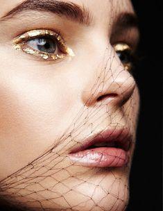 Speckled gold eyeliner // Photo by Yelena Yemchuk for Vogue Ukraine