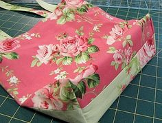 Excellent tutorial on creating the kind of nice, firm bag base I like to have on a boxed corner bag. From You Sew Girl.