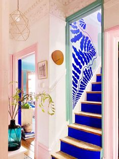 Hand Painted Wallpaper, Painting Wallpaper, Blue Painting, Estilo Interior, Cute Home Decor, My New Room, Colorful Interiors, Colorful Interior Design, Color Interior
