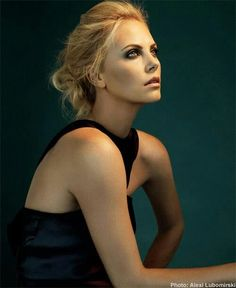 Charlize Theron Straight Hairstyles, Cool Hairstyles, Charlize Theron Style, Portrait Photography, Fashion Photography, Photography 2017, Baby Bangs, Woman Crush, Bella