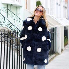 Polka dot faux fur coat jacket streetstyle blogger