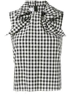 Black and white sleeveless gingham top from Marques Almeida. Miss Selfridge Tops, Vintage 1950s Dresses, Black And White Tops, Collar Top, Beautiful Blouses, Nice Tops, Top Pattern, Gingham, Mens Tops