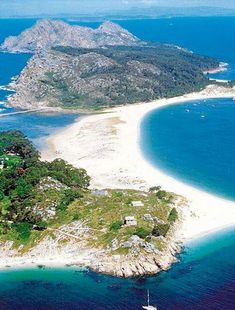 Islas Cies, Vigo - Pontevedra Places To Travel, Places To Visit, Beach Vibes, Spain And Portugal, Beautiful Places In The World, Island Beach, Spain Travel, Adventure Is Out There, Scenery