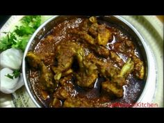 Traditional Maharashtrian style Chicken Curry made from Country Chicken. This spicy and tasty Chicken is one of the most famous Non-Veg dish in Maharashtra. Chicken Recepies, Indian Chicken Recipes, Chicken Recipes Video, Veg Recipes, Curry Recipes, Recipes In Marathi, Chicken Livers, Chicken Curry, Kitchens