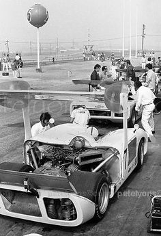 Chaparral 2H at 1969 Riverside Can-Am; photo taken early in practice, ════════════ ❄❄ Alittlemarket ☞ https://www.alittlemarket.com/boutique/au_royaume_du_timbre-3130013.html