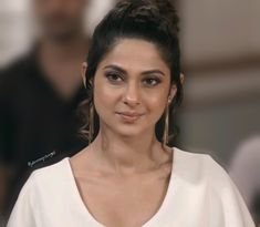 "The word ""Beautiful"" doesn't even cover a fraction of her beauty anymore 👸🏻 Queen of Beauty Jennifer Winget angel 😇 Jennifer Winget Beyhadh, Actor Model, Best Actor, Formal Outfits, Power Dressing, Celebs, Glamour, Actors, Maya"