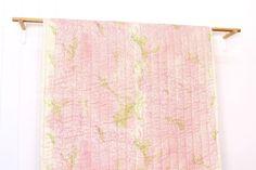 Wilder Wind elegant Pre gesteppte doppelt Gaze Nani IRO Kollektion von Naomi Ito für Kokka 100 % Baumwolle Doppel Gaze mit Polyester-Vlies 1/2 Meter (50 cm x 106 cm Breite: 19 x 41 Breite) \U2012 Blätter im Wind wiegenden, es ist wie ein Ozean. Es zieht sich durch unser Herz trägt einen schönen Duft, mit einem moderaten Gleichgewicht.- Naomi Ito Für kontinuierliche Birdie Bitte ändern Sie die Menge in der Drop-Down-Menü. Pakete werden per Päckchen Internationale Luftpost aus Japan ...