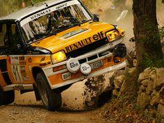 Renault 5 Turbo 2 rally car - Group B - Ooops! Renault 5 Turbo, Renault Sport, Sport Cars, Race Cars, Peugeot, Swiss Cars, Sport En France, Renault Nissan, Gt Turbo