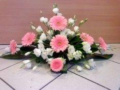 Ikebana Arrangements, Spring Flower Arrangements, Funeral Flower Arrangements, Beautiful Flower Arrangements, Floral Centerpieces, Floral Arrangements, Beautiful Flowers, Altar Flowers, Church Flowers