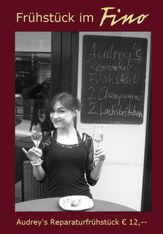 Audrey's Reparaturfrühstück im FINO: 2 Glas Champagner & 2 Lachsbrötchen