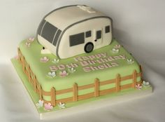 Caravan cake. www.littlepartyboutique.co.uk www.facebook.com/TheLittlePartyBoutique